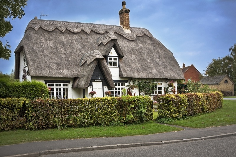 Note That The Ridges Of The Roof Form Have Been Given Additional Layers Of  Thatch Protection, And That This Has Been Turned Into A Beautiful  Decorative ...